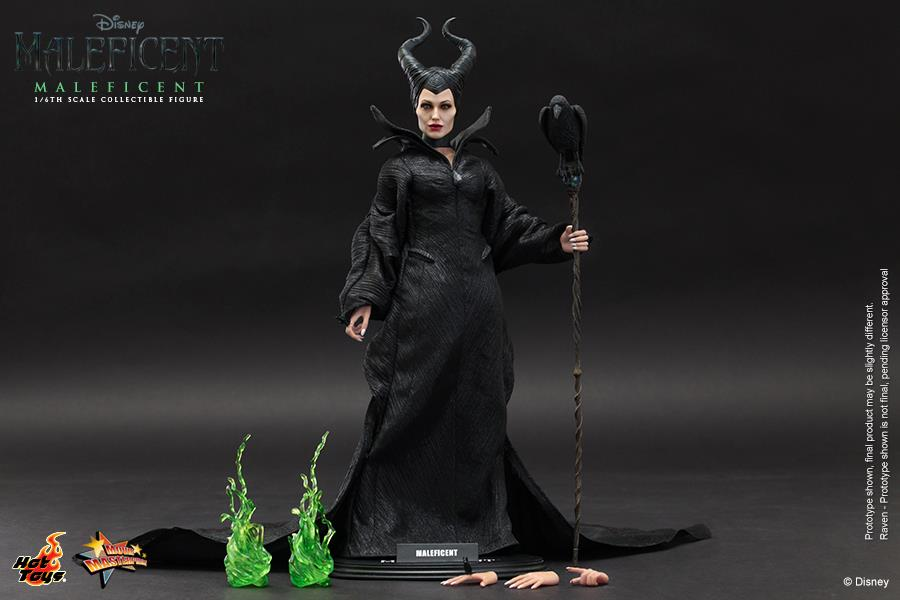 Hot-Toys-Maleficent-angelina-jolie