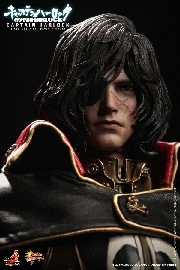 Space-Pirate-Captain-Harlock-02