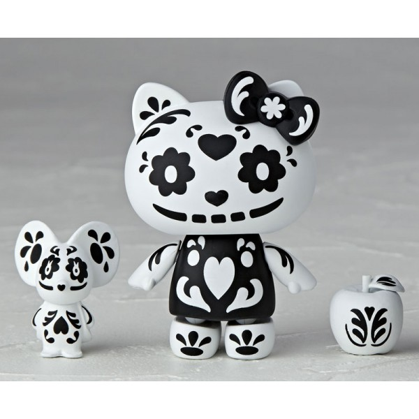 revoltech-hello-kitty-black-skull-ver